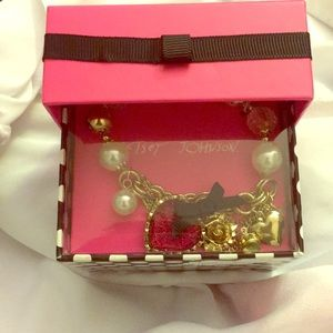 Betsy Johnson Heart/Faux Pearl Charm Bracelet Gold